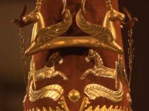 'Altın Elbiseli Adam'a büyük ilgi