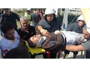 Söke'de turistleri taşıyan midibüs kaza yaptı: 4 yaralı