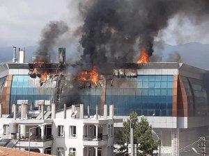 Balıkçılar Çarşısı'nda korkutan yangın