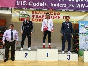 Sivaslı güreşçiler Bulgaristan'dan dereceyle döndü