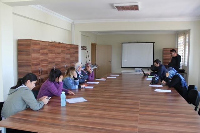 Yalıhüyük'de kadın çiftçiler için bilgilendirme toplantısı yapıldı