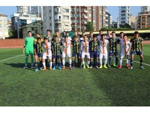 Silopili gençler Fenerbahçe U17 alt yapı takımı ile karşılaştı