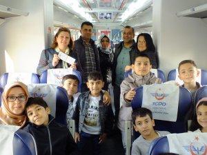 İlkokul öğrencileri  Divriği Ulu Cami ve Darüşşifası'nı gezdi