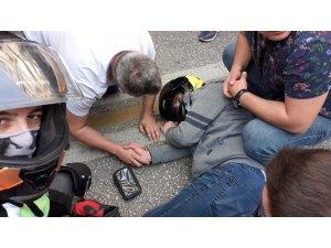75 metre sürüklenen motosikletlinin imdadına yoldan geçen doktor koştu