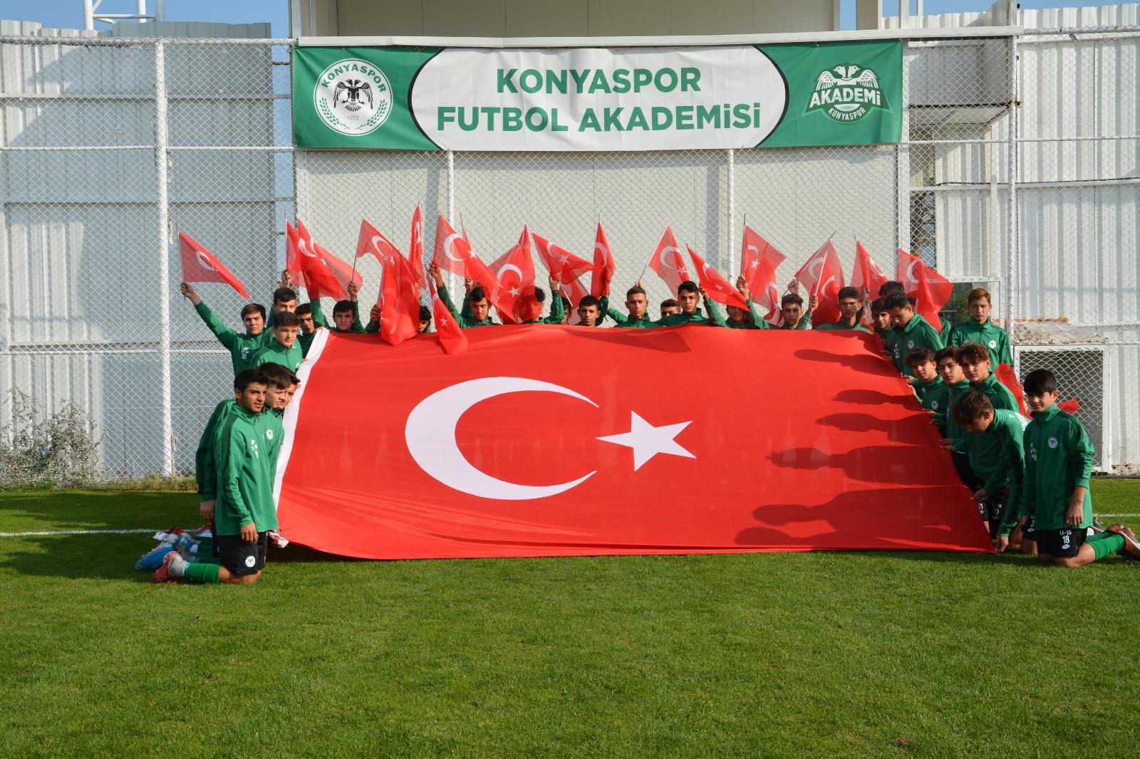 Konyaspor Futbol Akademisi  geleceğe nefes verecek