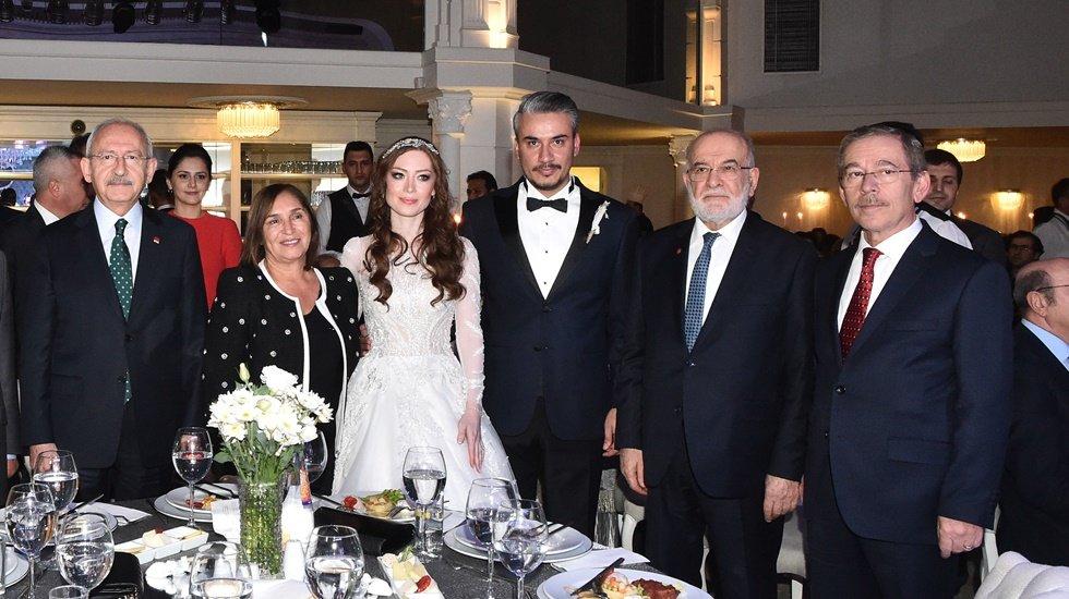 Abdüllatif Şener kızını evlendirdi