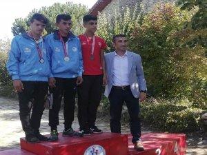 Ali Dirik'ten bronz