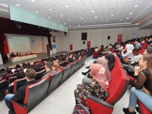 NEÜ'de Uluslararası Öğrenciler Tanışma Toplantısında Bir Araya Geldi