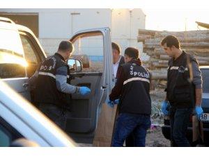 Aracın camını kırarak yaklaşık 30 bin TL çalan şahıslar yakalandı