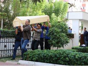 Evlerinde ölü bulunan 4 kişinin cenazesi alındı