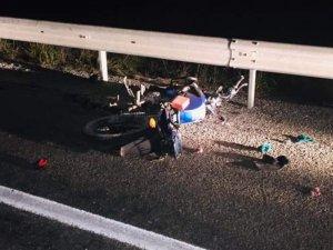 Ticari araçla çarpışan motosikletli hayatını kaybetti