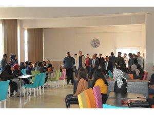 Başkan Akkaya, üniversiteli gençlerle buluşmaya devam ediyor