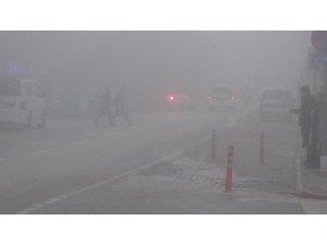İnegöl'de sis yüzünden göz gözü görmüyor