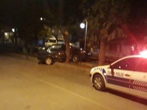Tosya'da otomobil ağaca çarptı: 1 ağır yaralı