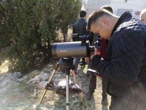 Bozkır'da görev yapan öğretmenler Sivri Dağı'na tırmandı