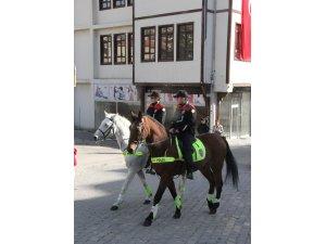 Beypazarı'nda atlı polisler göreve başladı