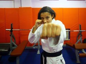 """Bir yıl önce başladığı """"ju jitsu""""da dünya şampiyonu oldu"""