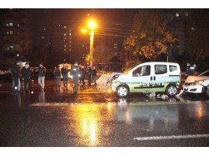 Diyarbakır'da sağanak yağış zincirleme kazaya neden oldu: 5 yaralı