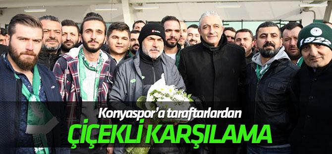 Konyaspor'a çiçekli karşılama