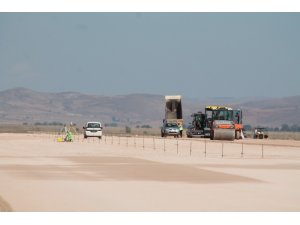 İnşaatı süren Gümüşhane Bayburt Havalimanında zemin çalışması tamamlandı