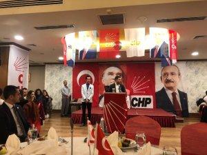 Kuşadası Belediye Başkanı Ömer Günel KKTC'de gençlerle buluştu
