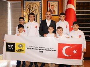 Altay, Dünya Robot Yarışmasına katılacak öğrencileri tebrik etti