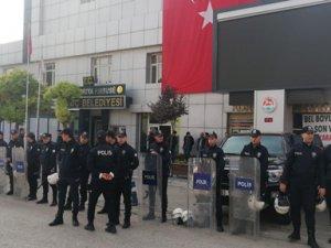 Belediye Başkan Vekili'ne suikast hazırlığındaki teröristle irtibatlı 6 şüpheli yakalandı