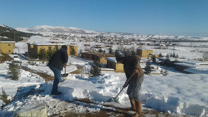 Şükran Köyün'de kar küreme mesaisi başladı