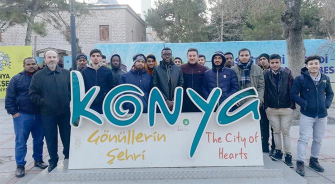 Adana'da öğrenim gören uluslararası öğrencilerden Konya gezisi