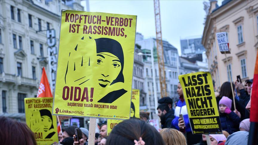 Avusturya'da ilkokullarda uygulanan başörtüsü yasağı Anayasa Mahkemesine taşındı