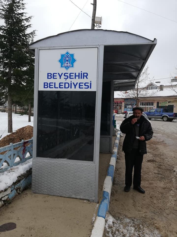 Beyşehir Belediyesi bazı mahallelere bekleme durağı kurdu