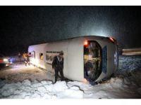 Erzincan'da yolcu otobüsünün devrilmesi