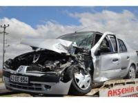 Konya'da traktör ile otomobil çarpıştı: 3 yaralı