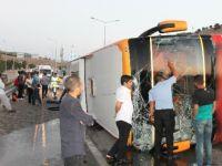 Konya-Diyarbakır seferini yapan otobüs devrildi