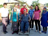 Engelliler derneği akülü araba bağışladı