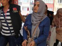 """Fethullah Gülen'in akrabası """"abla"""" evleri boşaltırken yakalandı!"""