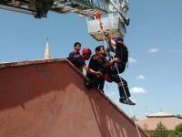 İtfaiye ekiplerine kurtarma eğitimi