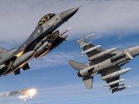 Türk Silahlı Kuvvetlerinden Hakkari kırsalında hava harekatı
