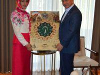 Esra Çetin, Davutoğlunu Ziyaret Etti