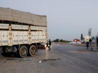İşçileri taşıyan minibüse kamyon çarptı: 9u ağır 31 yaralı
