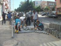 Beyşehir'de dış mahallelere kilitli parke döşendi