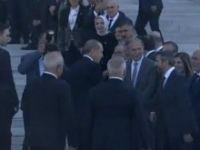 Son Dakika! TBMM'ye Gelen Erdoğan'ı Milletvekilleri Protokol Kapısında Karşıladı