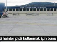 Darbeciler havalimanını araç farlarıyla aydınlatmak istemiş!