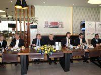 Ahmet Şan'dan Aziz Yıldırım'a dostluk yemeği