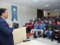 Duransoy NEÜ'de öğrencilerle buluştu
