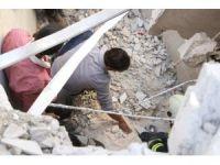 İdlib'de bir okulun bombalanması