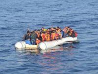 Mülteci botu battı: 97 mülteci kayıp