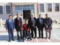 Müge Anlı'dan Karapınarlı engelli öğrenciye akülü araç