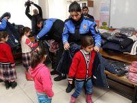 Şahan Gökbakar'dan öğrencileri 'ısıtan' yardım