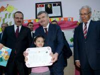 Başkan Akyürek Öğrencilerin Karne Sevincine Ortak Oldu